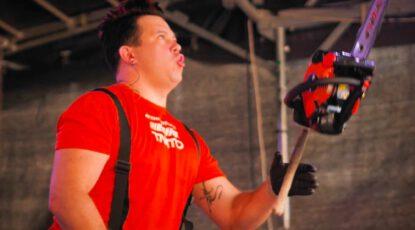 Taikuri-jonglööri Janne Mustonen